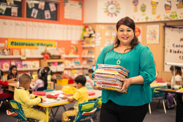 """Kia and Donorschoose.org """"Flash Fund"""" Classroom Projects in High-Need Schools This Holiday Season © Kia Motors Corporation"""