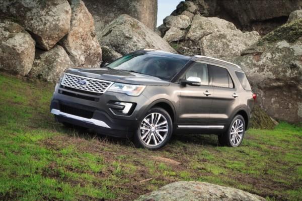 2016 Ford Explorer Platinum © Ford Motor Company