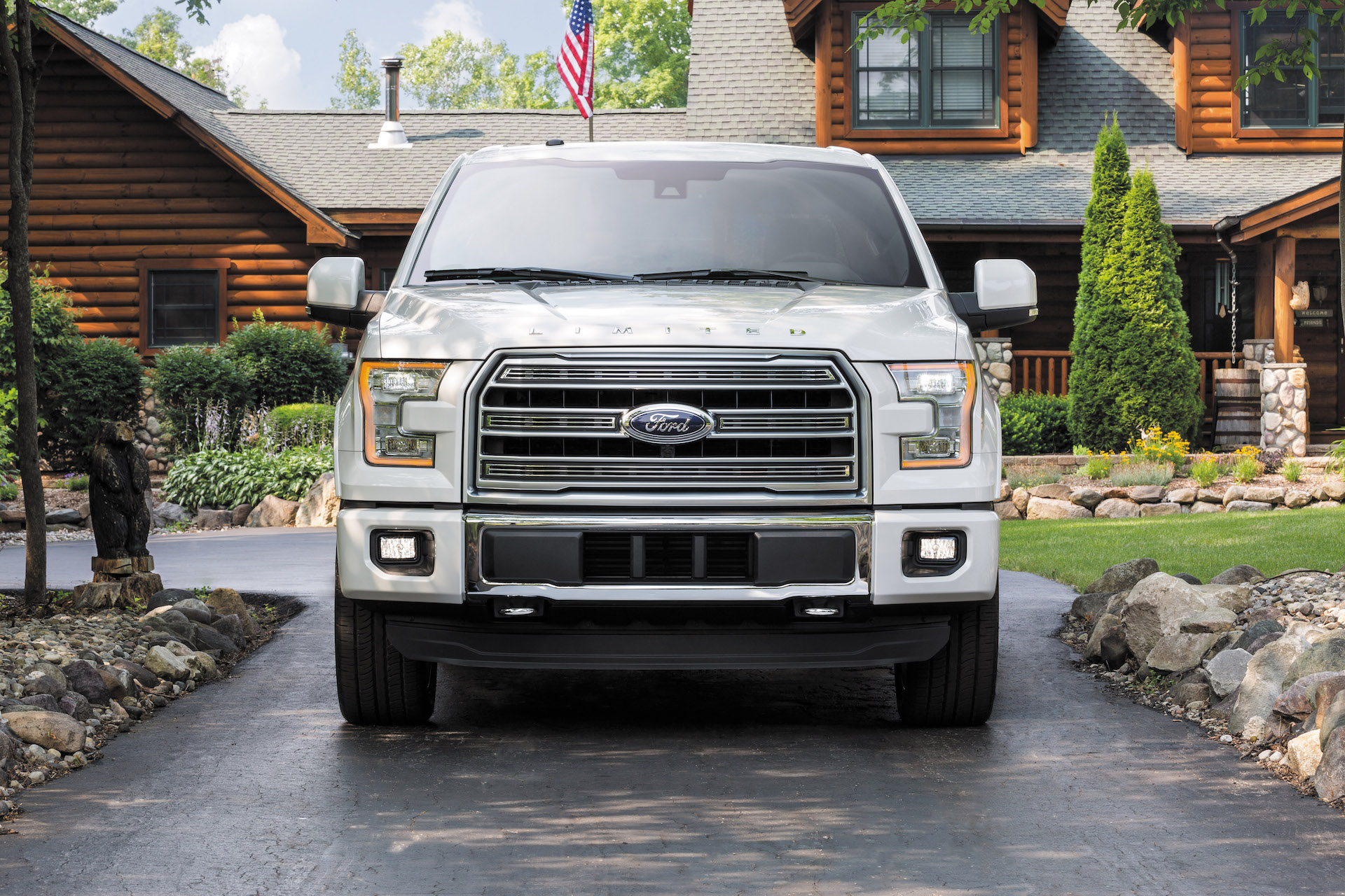 2016 Ford F-150 Limited © Ford Motor Company