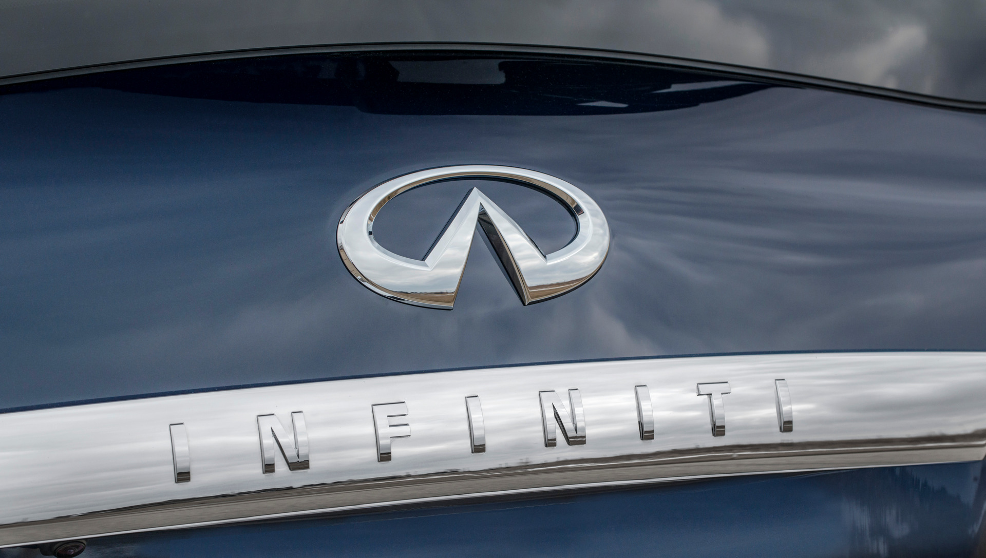 2015 Infiniti QX80 © Nissan Motor Co., Ltd.