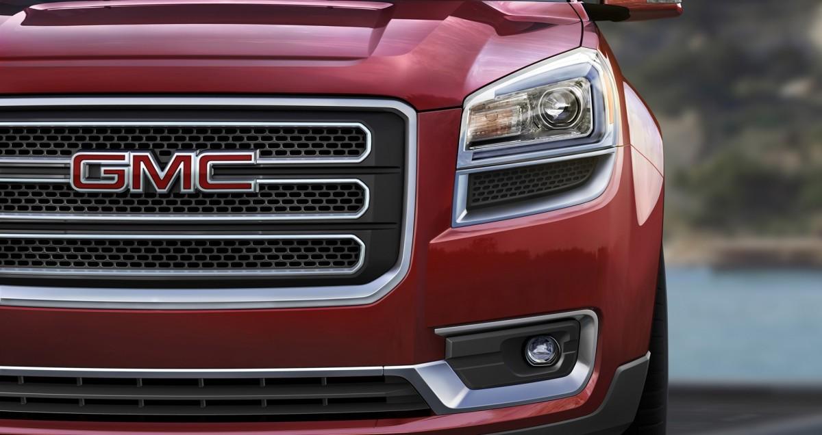 2016 GMC Acadia Front grille © General Motors