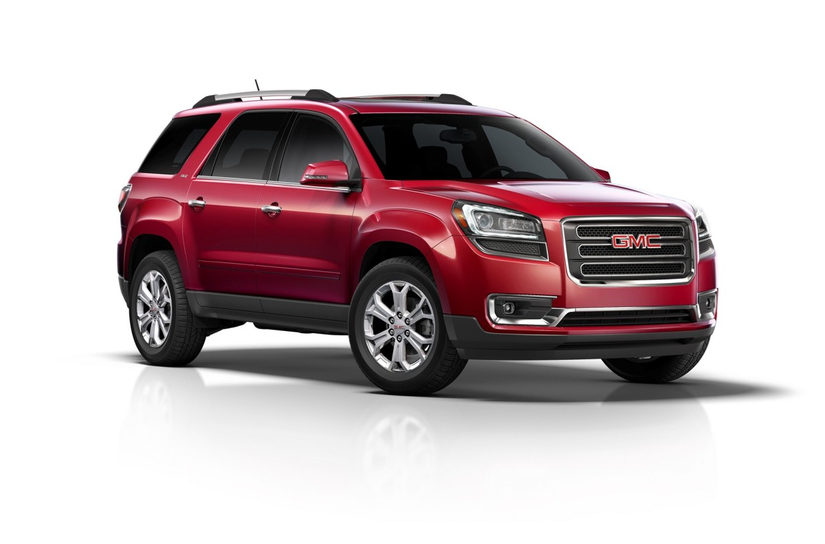 2016 GMC Acadia SLT 3/4 front in red 2016 GMC Acadia SLT glass to glass rear 3/4 © General Motors