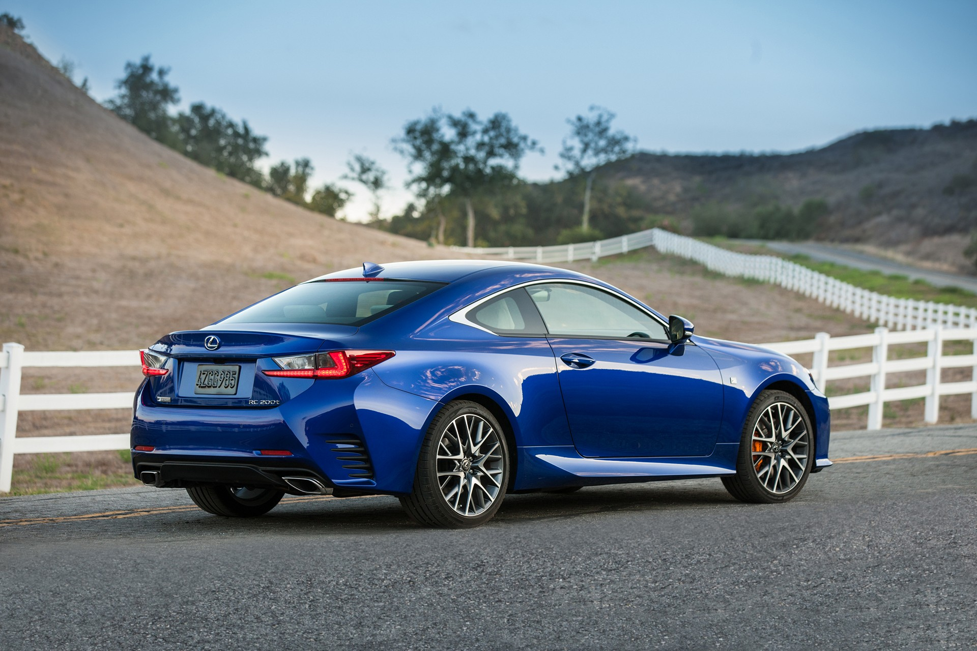 lexus rc coupe enhanced for 2016 carrrs auto portal. Black Bedroom Furniture Sets. Home Design Ideas