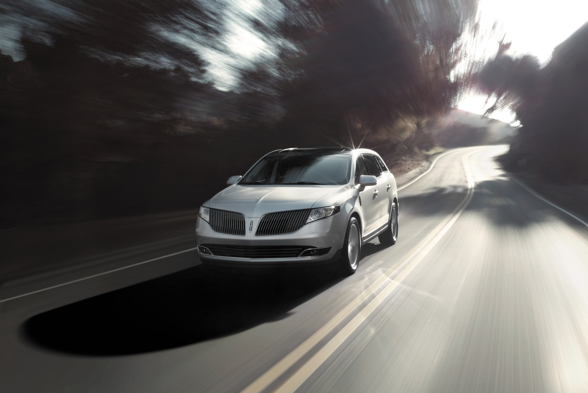2015 Lincoln MKT © Ford Motor Company