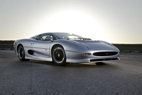 Jaguar XJ220 © Jaguar MENA