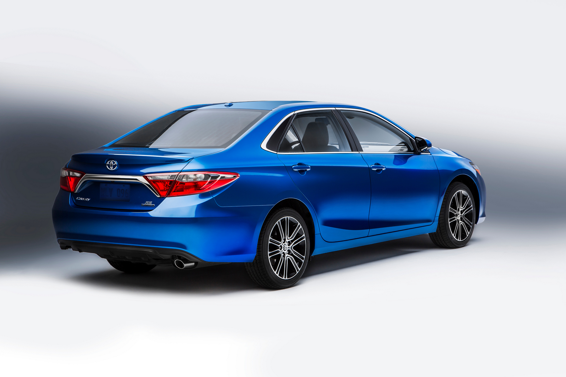 2016 Toyota Camry Special Edition © Toyota Motor Corporation
