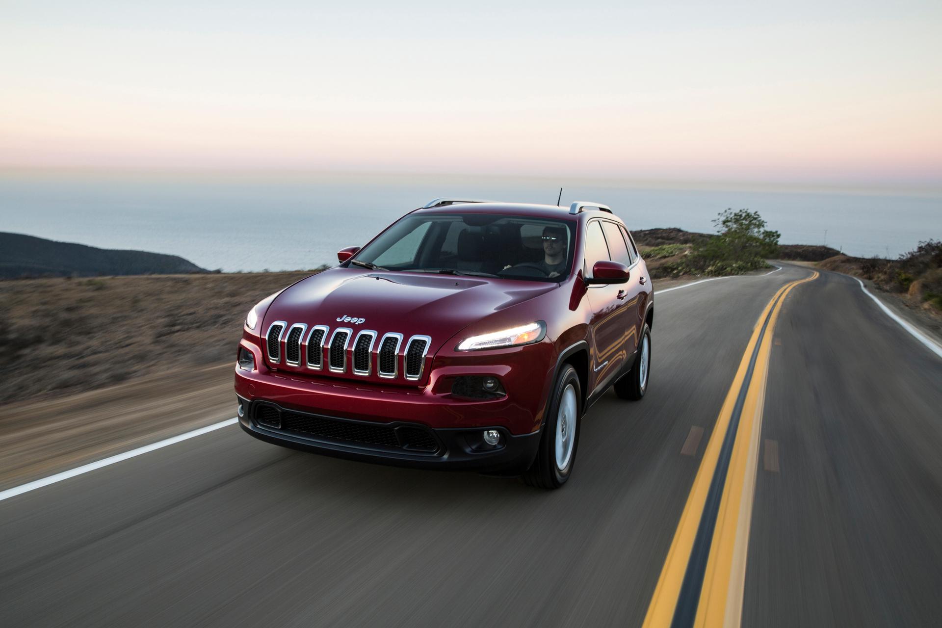 2016 Jeep Cherokee © FIAT Group