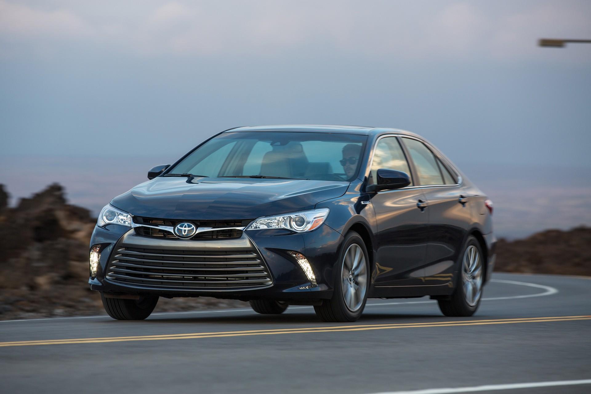 2016 Toyota Camry Hybrid © Toyota Motor Corporation