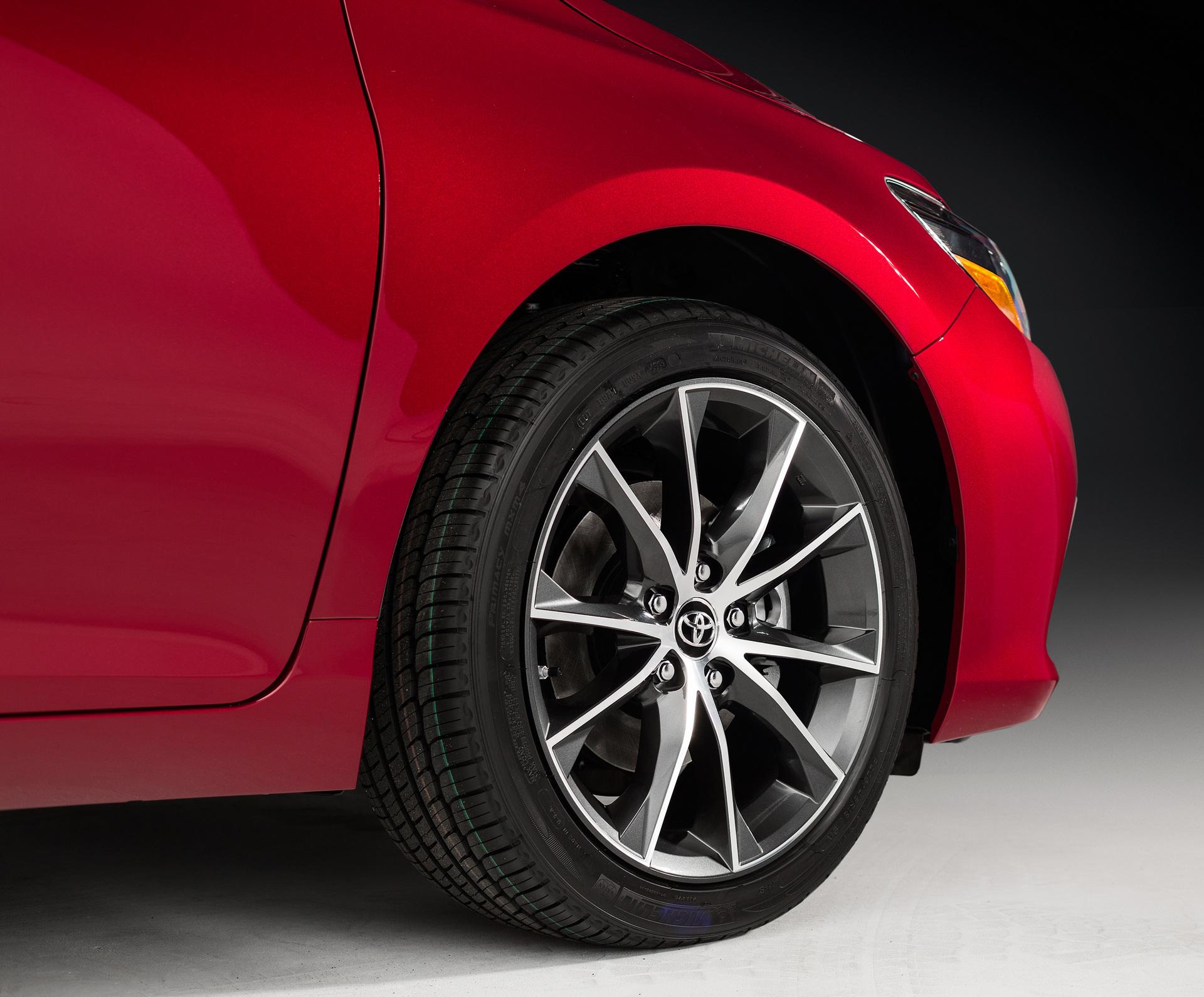 2016 Toyota Camry XSE © Toyota Motor Corporation