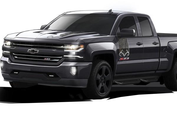 2016 Chevrolet Silverado Realtree Edition © General Motors
