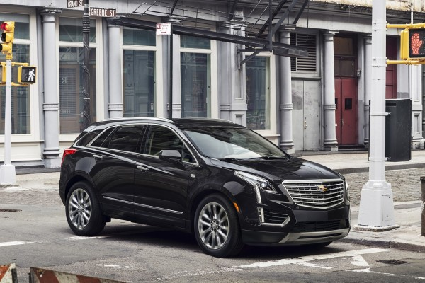 2017 Cadillac XT5 luxury crossover © General Motors