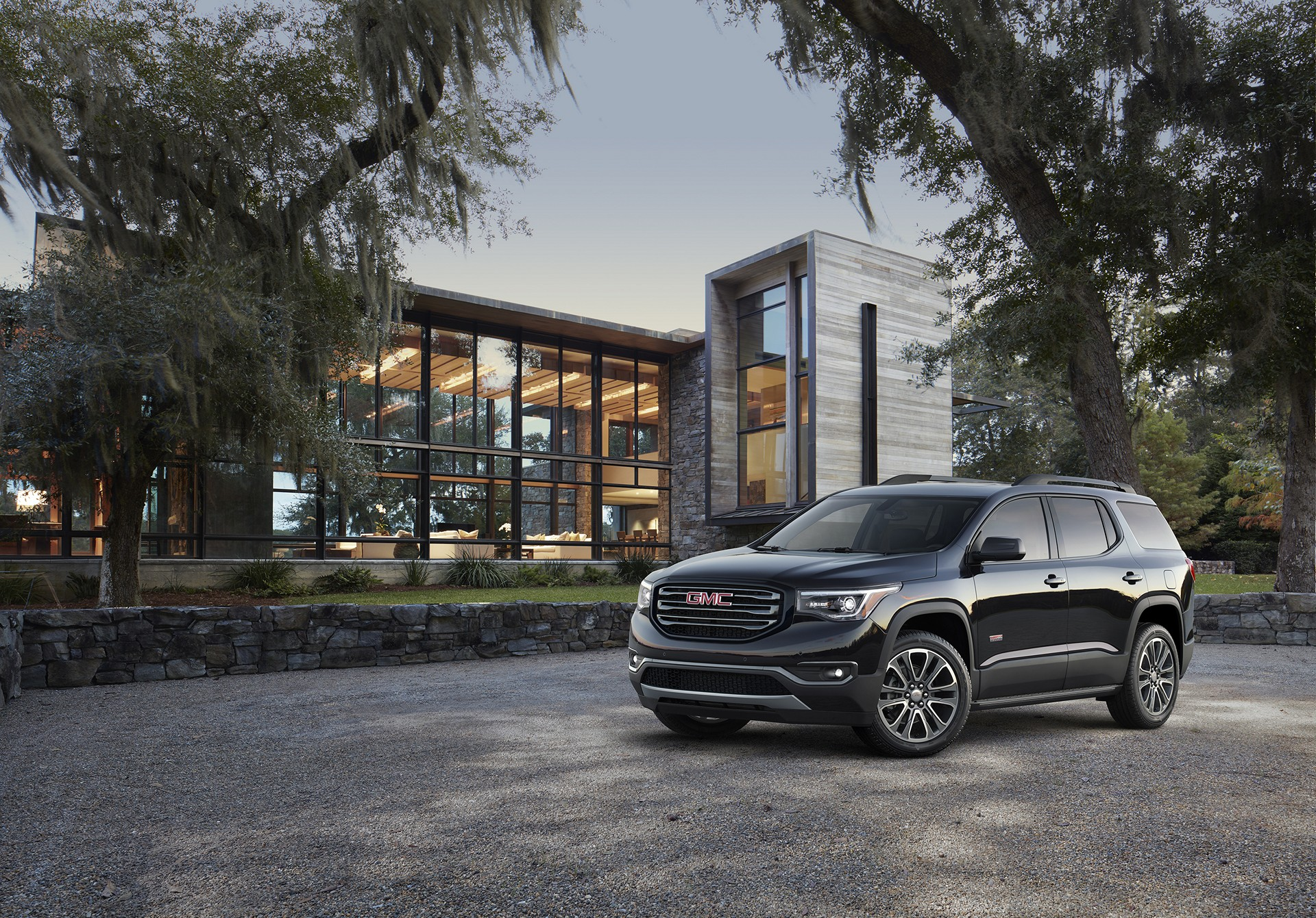 2017 GMC Acadia All Terrain © General Motors
