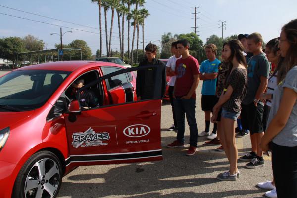 KIA MOTORS AMERICA AND B.R.A.K.E.S. TEEN PRO-ACTIVE DRIVING SCHOOL © Kia Motors Corporation