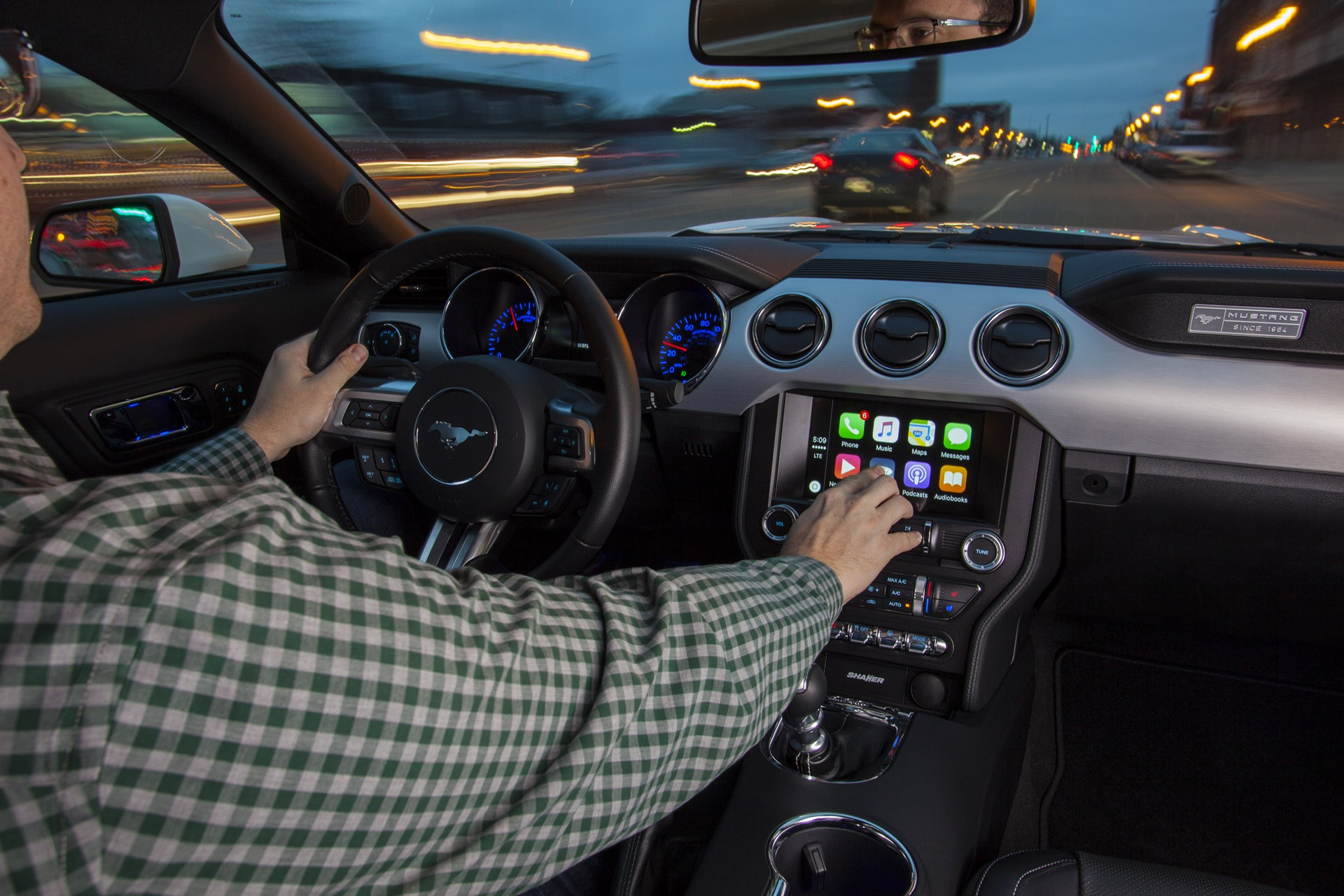 SYNC Brings New AppLink Apps to Millions of Customers, Adds Apple CarPlay, Android Auto, 4G LTE ...