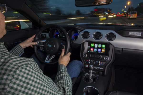 SYNC 3 and Apple CarPlay © Ford Motor Company