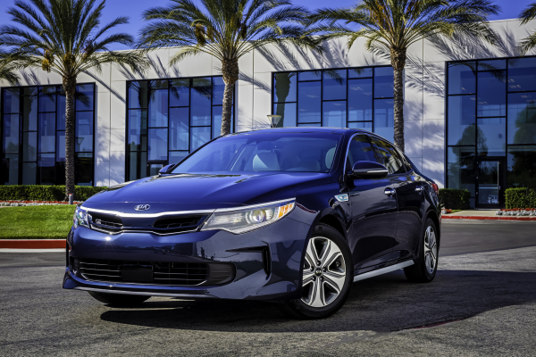 2017 Kia Optima Hybrid © Kia Motors