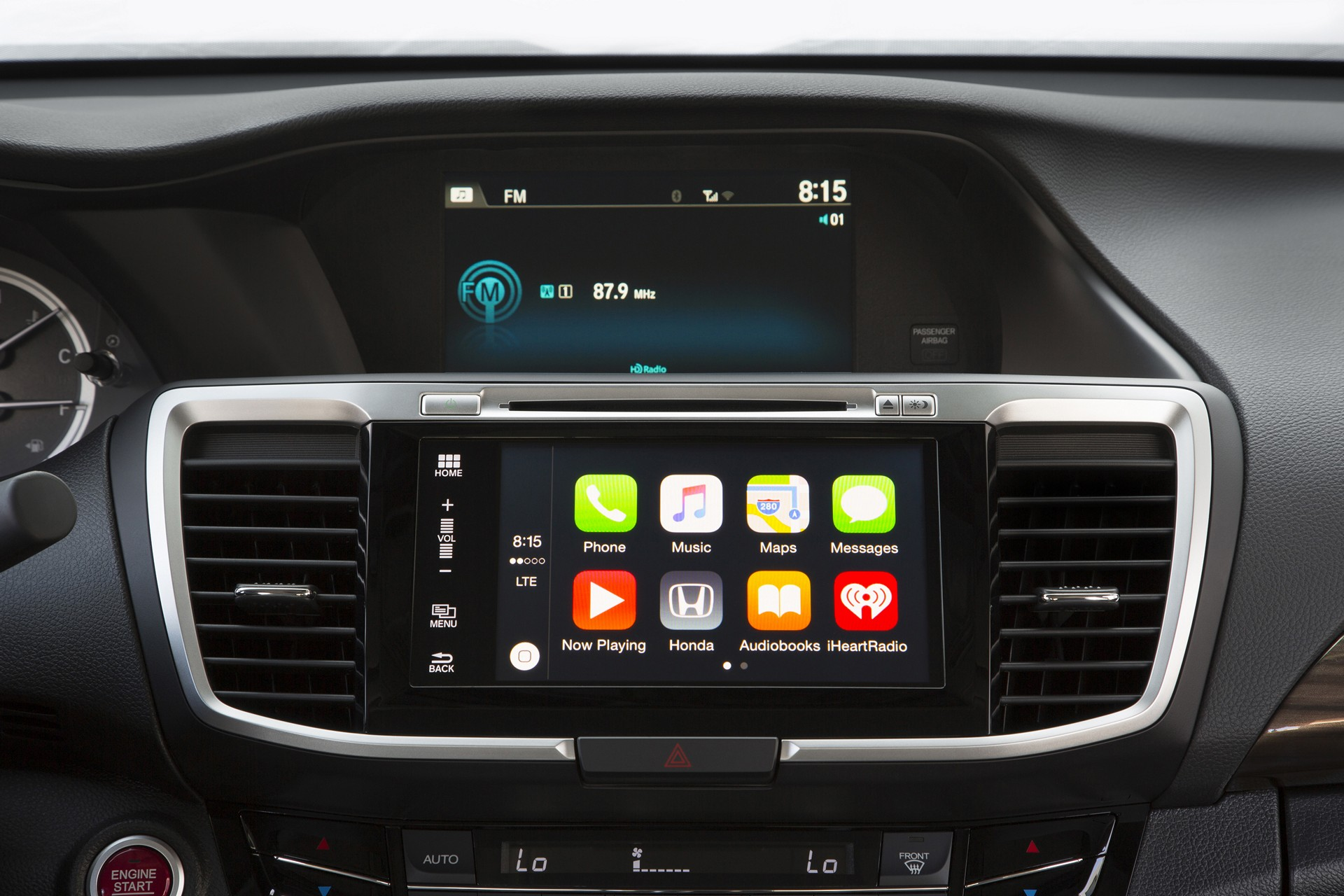 2016 Honda Accord with Apple CarPlay © Honda Motor Co., Ltd.