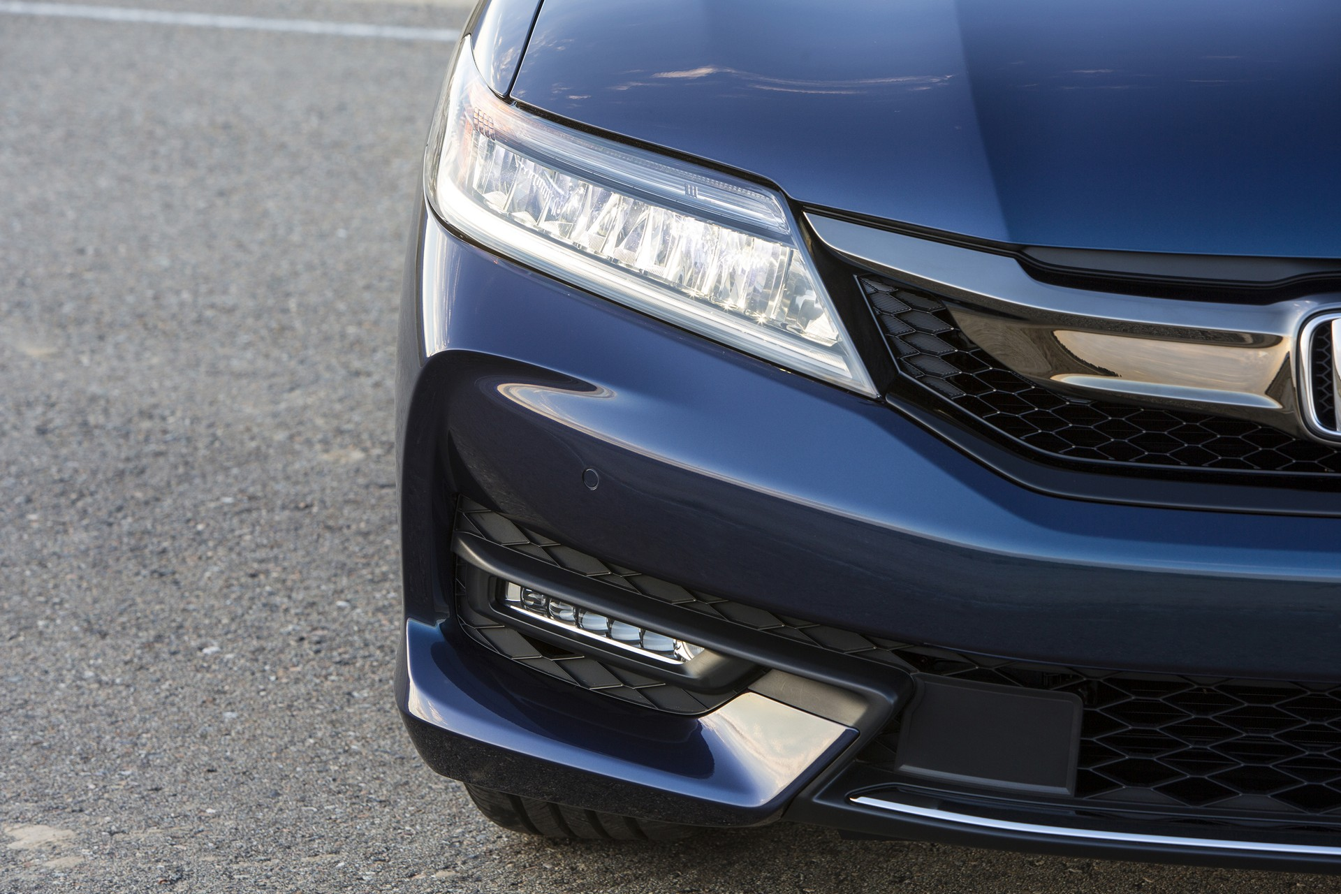2016 Honda Accord Coupe © Honda Motor Co., Ltd.