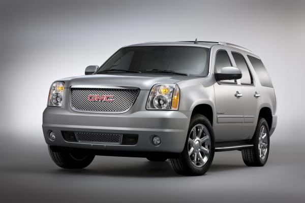 2013 GMC Yukon Denali © General Motors