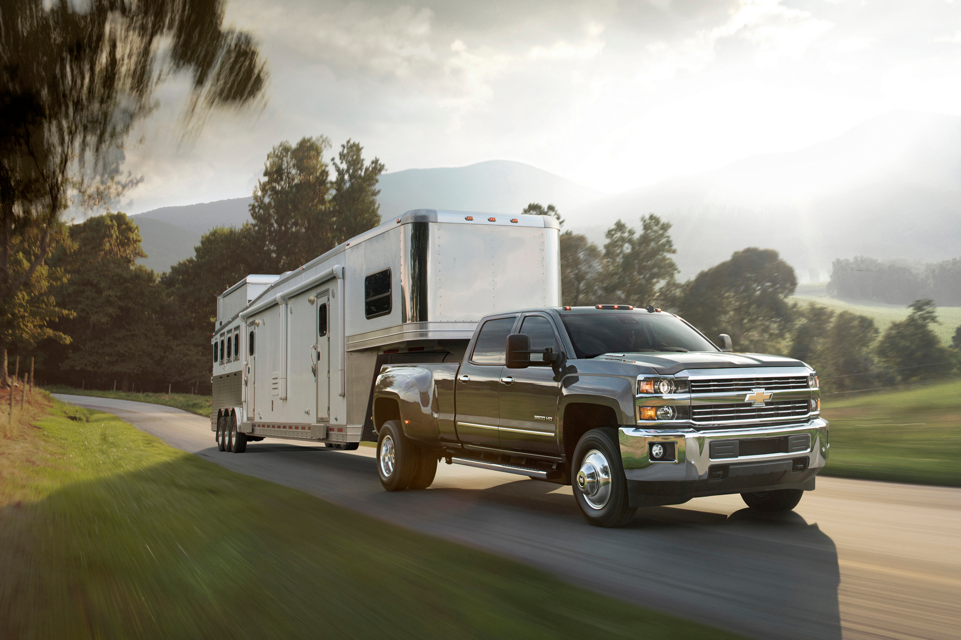 what truck has the best towing capacity carrrs auto portal. Black Bedroom Furniture Sets. Home Design Ideas