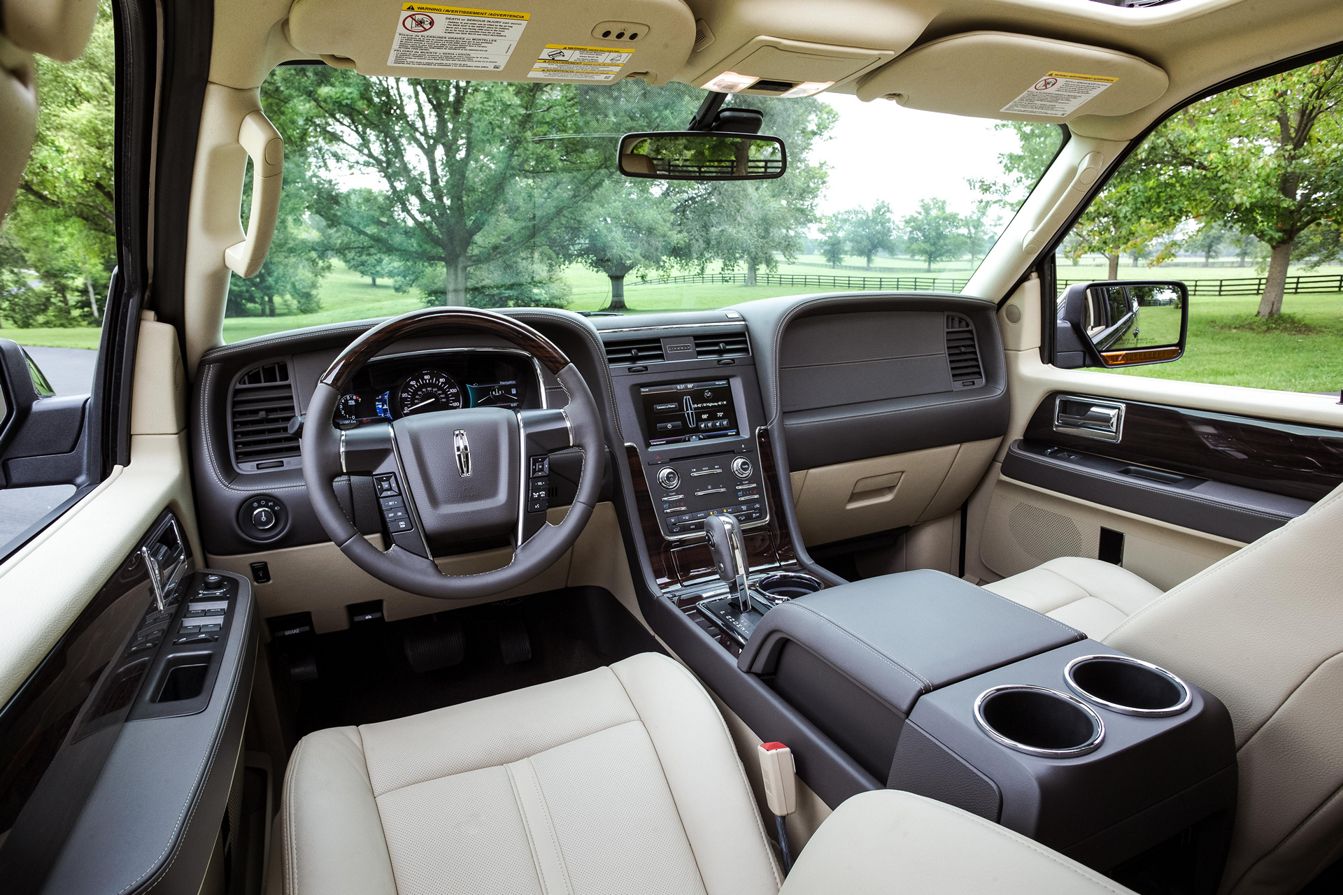 2002 Lincoln Navigator Interior Photos