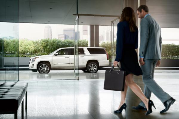 2016 Cadillac Escalade ESV © General Motors