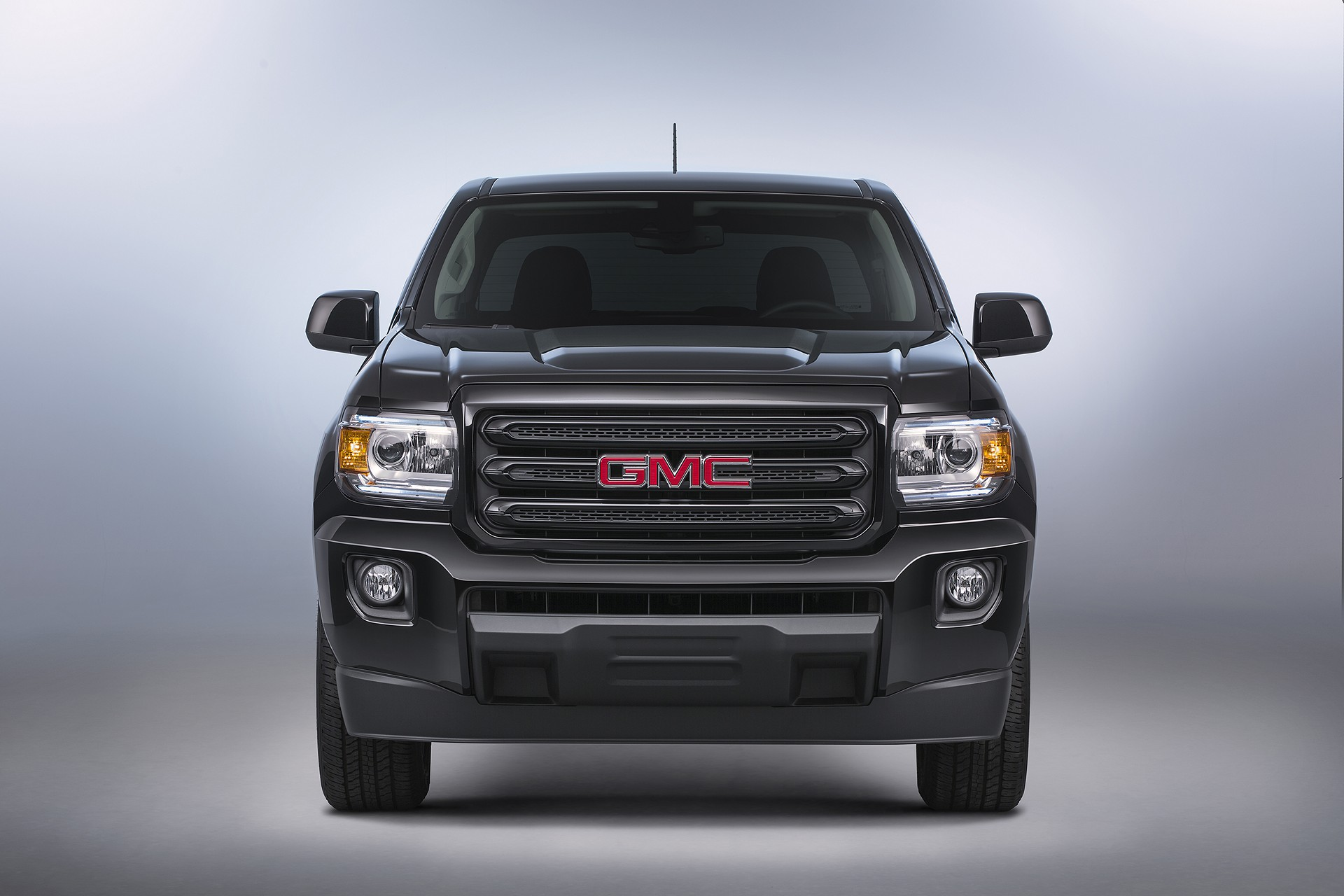 2016 gmc canyon review carrrs auto portal. Black Bedroom Furniture Sets. Home Design Ideas