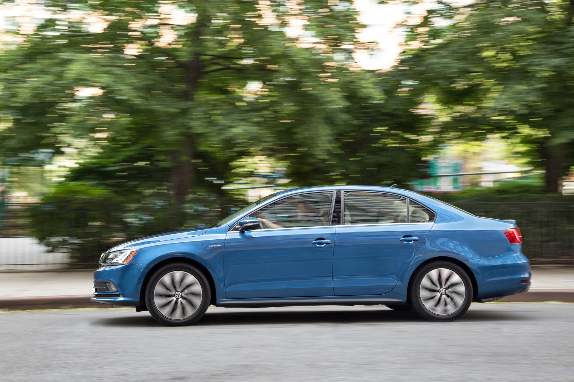 sedans with the best gas mileage