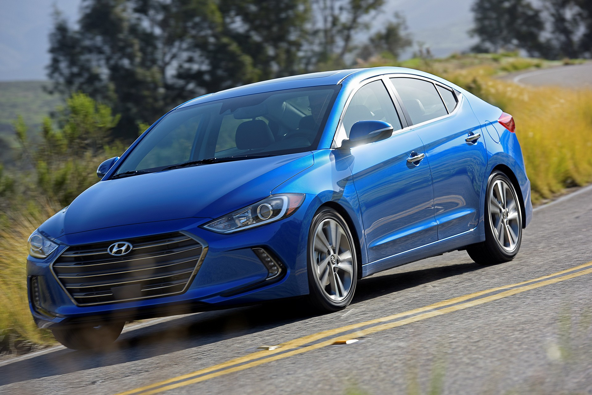 the motoring world usa the hyundai elantra has been named as a winner in the inaugural. Black Bedroom Furniture Sets. Home Design Ideas
