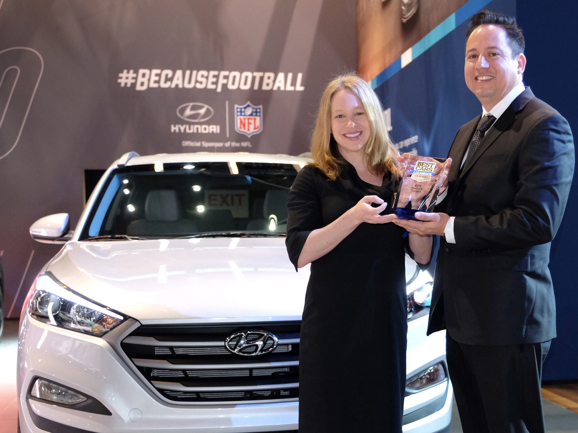 hyundai tucson named best compact suv for the money by u s news world report carrrs auto portal. Black Bedroom Furniture Sets. Home Design Ideas