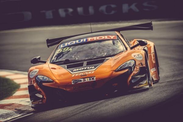 650S GT3 claims double pole and lap record at Bathurst 12 Hour © McLaren Automotive