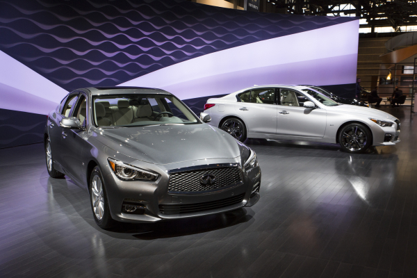 Infiniti presents three new Q50 sports sedan engines at the Chicago Auto Show © Nissan Motor Co., Ltd.