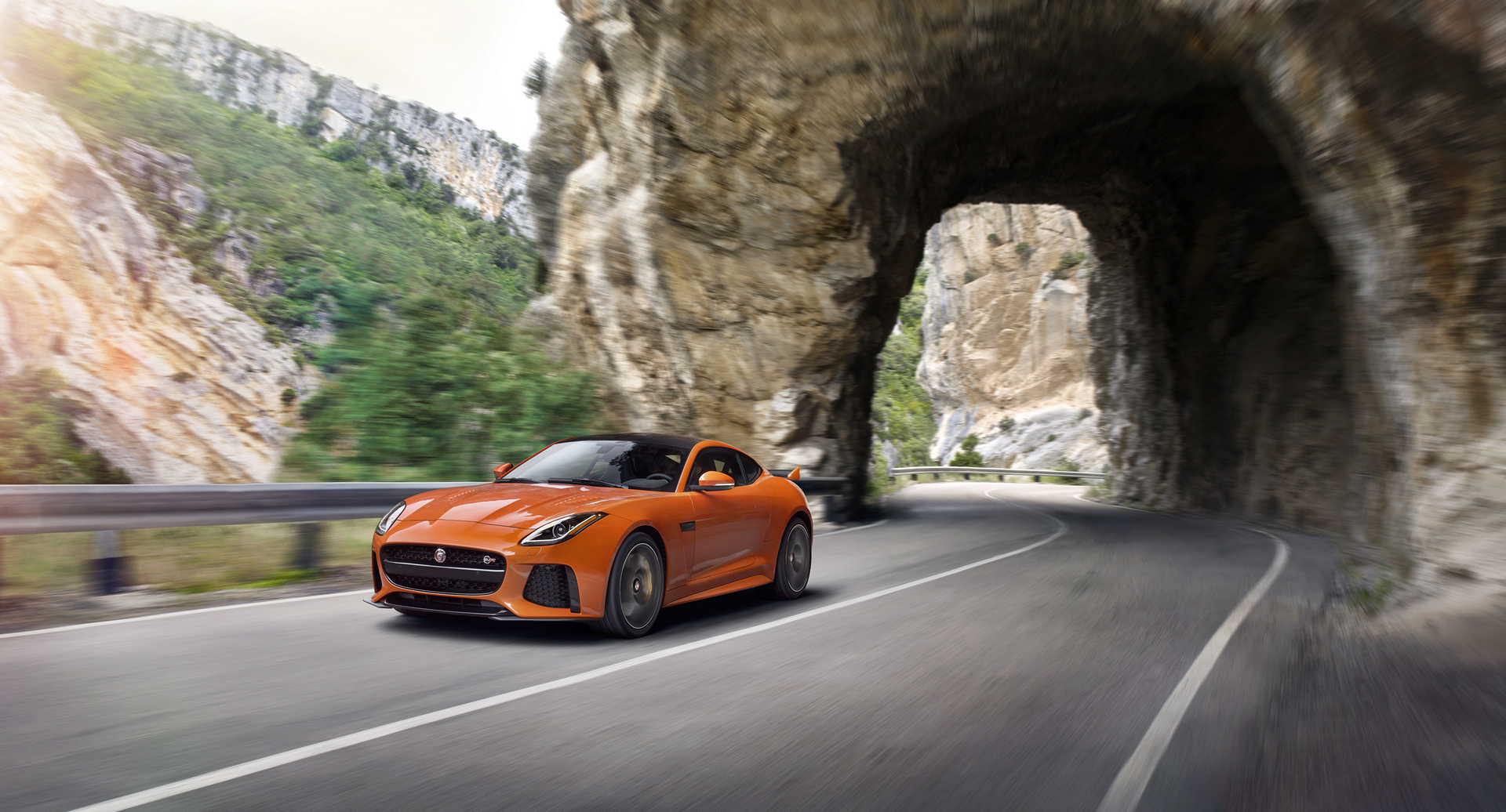 Jaguar F-TYPE SVR © Tata Group