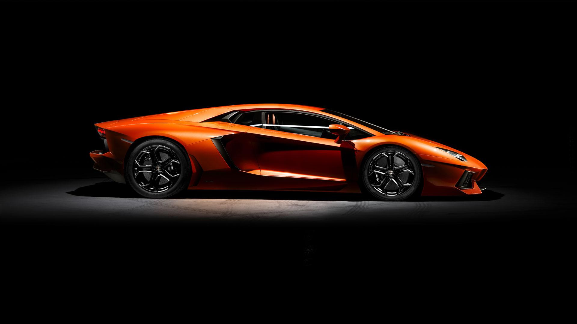 Lamborghini Aventador © Automobili Lamborghini S.p.A.