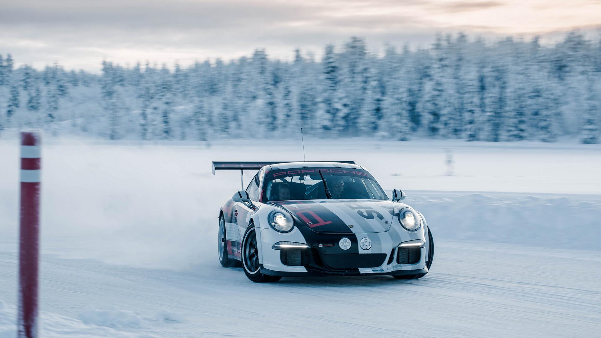 Ice Cold Driving Pleasure With Porsche Carrrs Auto Portal