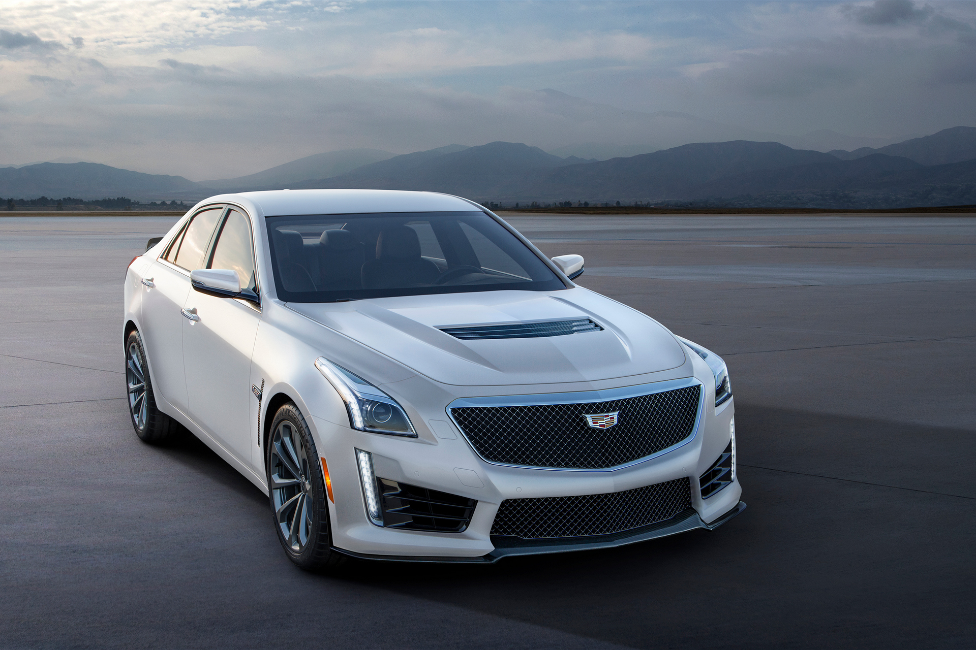 when did the cadillac cts come out