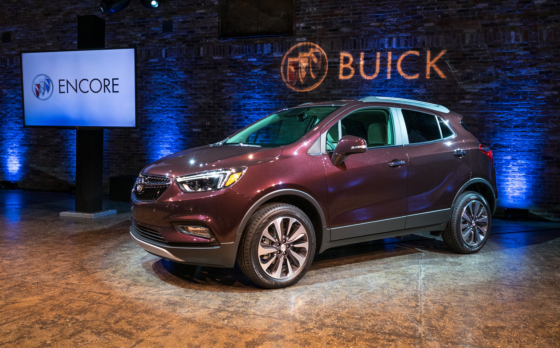 2017 buick encore gets latest tech sculpted design carrrs auto portal. Black Bedroom Furniture Sets. Home Design Ideas