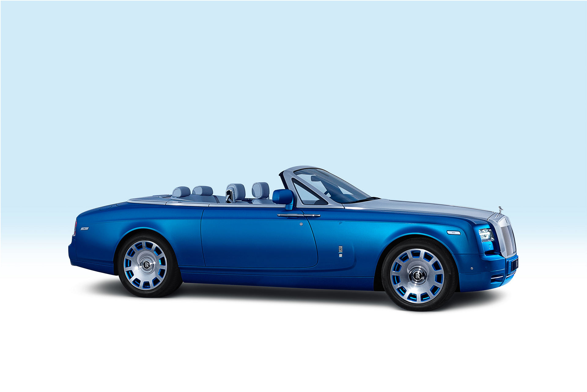 rolls royce phantom review carrrs auto portal. Black Bedroom Furniture Sets. Home Design Ideas