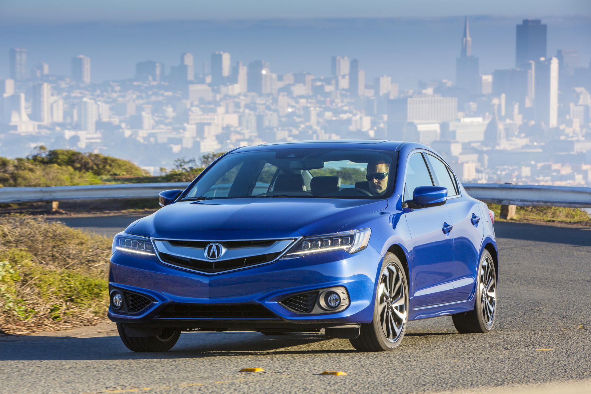 Acura Ilx Gateway Sports Sedan Returns For 2017 Model Year Carrrs Auto Portal