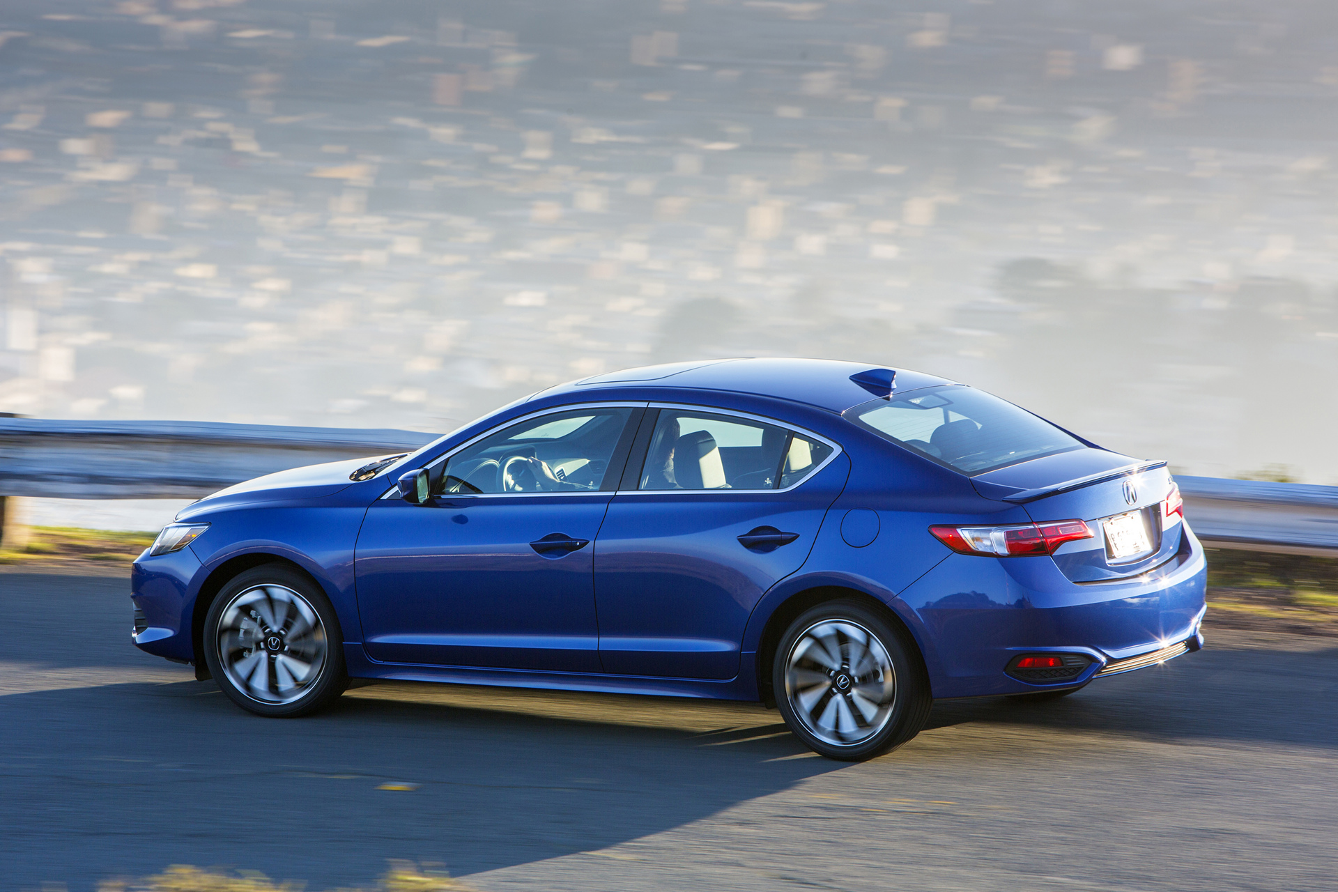 Acura ILX Gateway Sports Sedan Returns for 2017 Model Year - Carrrs Auto Portal