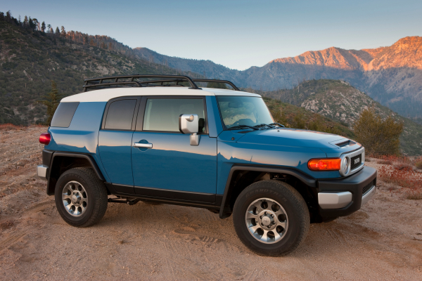cars similar to toyota fj cruiser