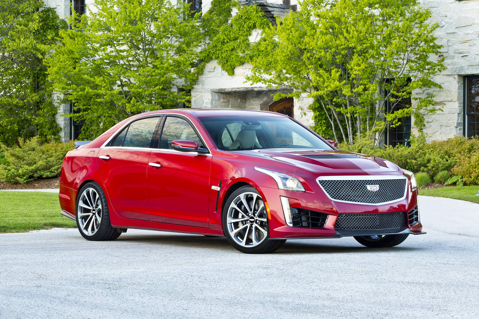 2016 cadillac cts v sedan review carrrs auto portal. Black Bedroom Furniture Sets. Home Design Ideas