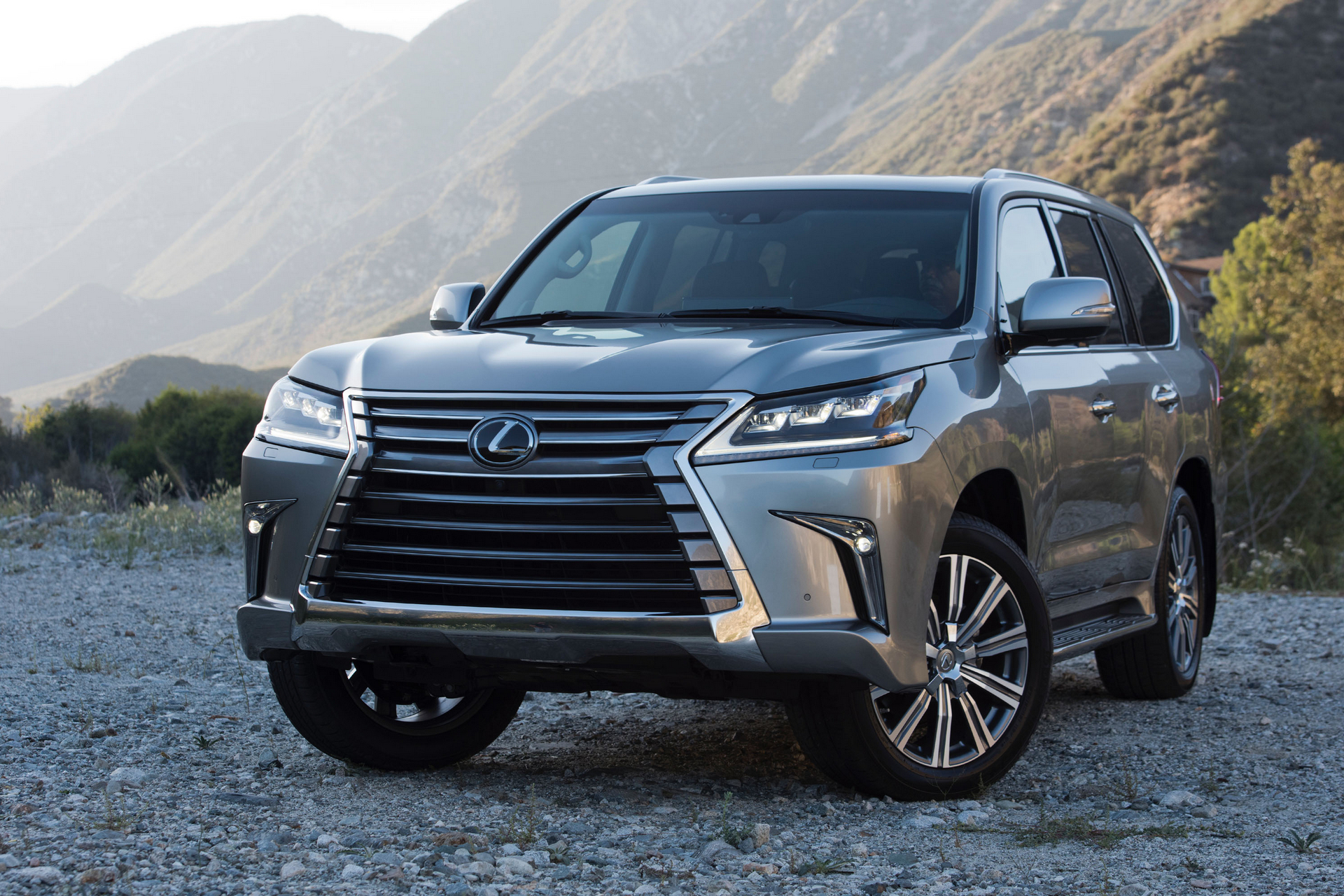 Carrrs Auto Portal Trend Rating Best Luxury Suvs With 3rd Row Seating 2016 Lexus Lx 570 Toyota Motor Corporation