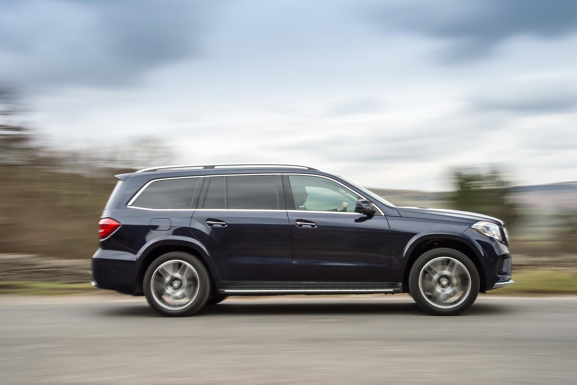 2017 mercedes benz gls350d daimler ag carrrs auto portal for Mercedes benz financial login