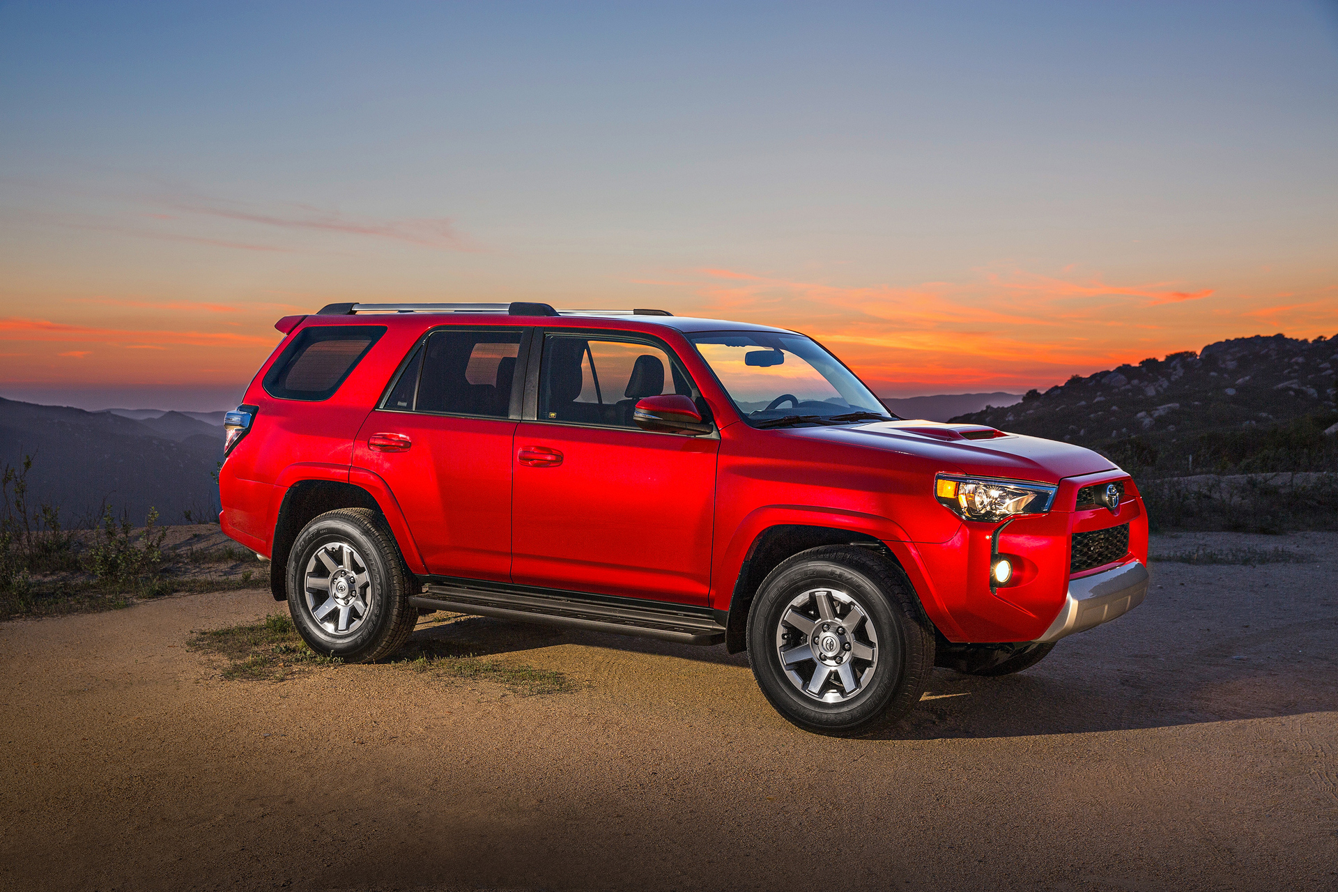 Best 3rd Row Suv Used >> Best Midsize Off-Road SUVs - Carrrs Auto Portal