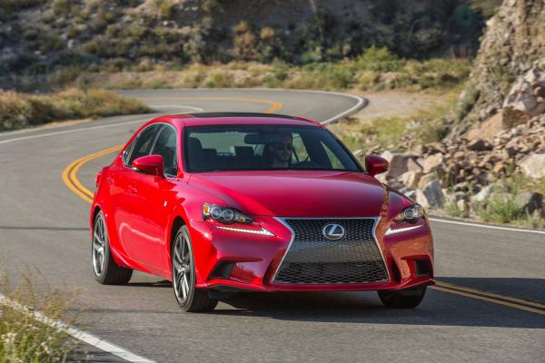 2016 Lexus IS 200t F SPORT © Toyota Motor Corporation