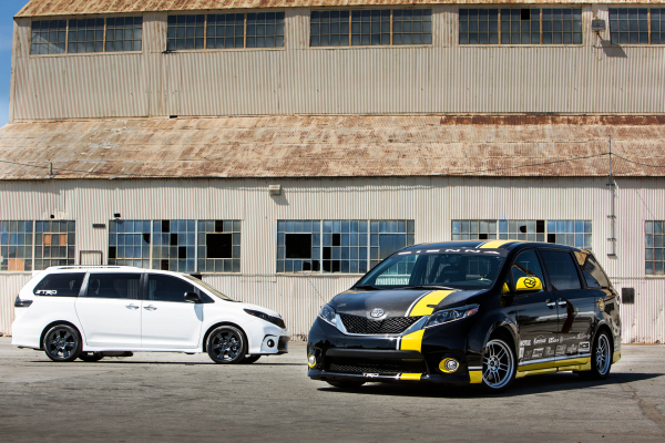 Toyota Sienna R-Tuned Concept and Toyota Sienna SE + Concept © Toyota Motor Corporation