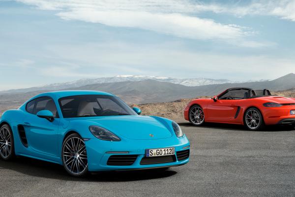 Porsche 718 Cayman and Porsche 718 Cayman S © Dr. Ing. h.c. F. Porsche AG