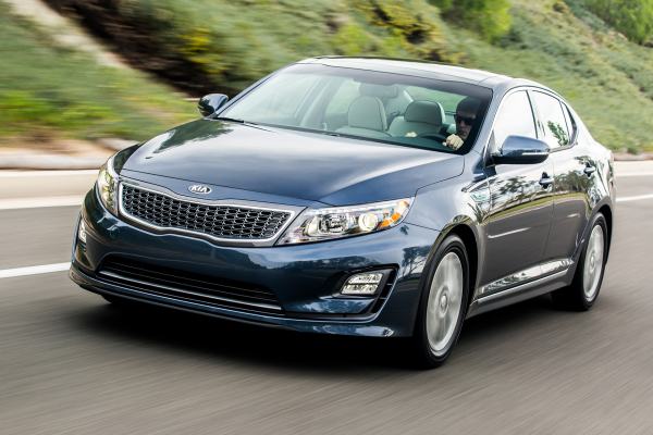 2016 Kia Optima Hybrid © Kia Motors