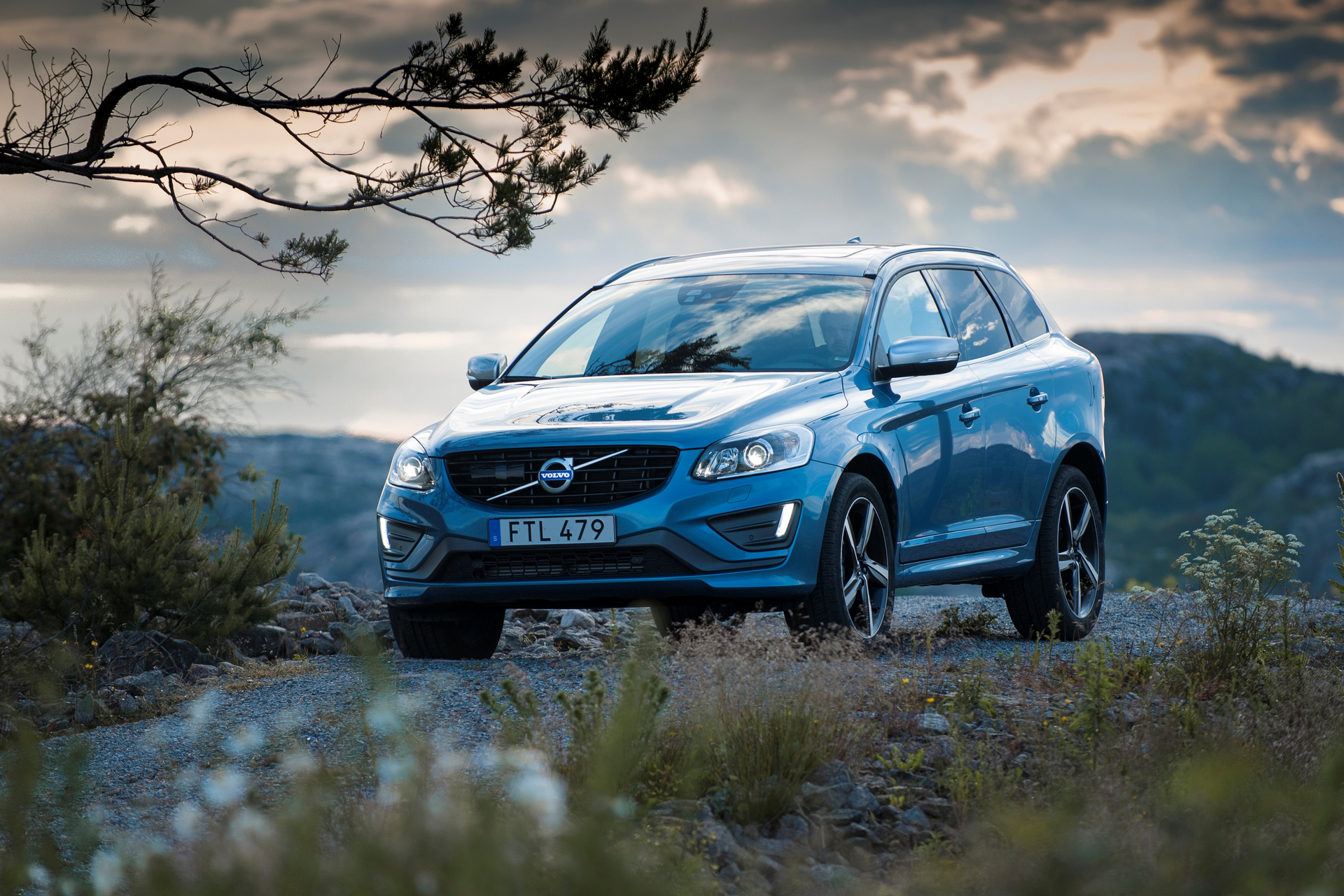 how much does a volvo xc60 cost